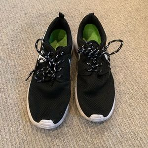 Nike Shoes - Nike Roshes super cheap! worn once